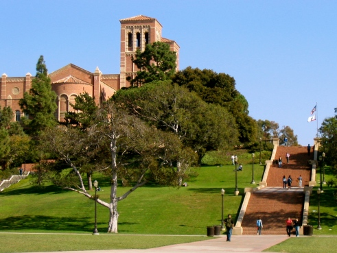 Janss_Steps,_Royce_Hall_in_background,_UCLA
